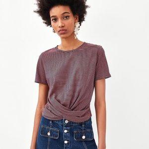 🎁 Zara Trafaluc Knotted Front T-shirt